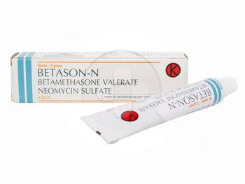 Betametason valverat merupakan kortikosteroid yang efektif pada dermatosis inflamasi. Hal ini juga efektif dalam kondisi yang kurang responsif seperti psoriasis.