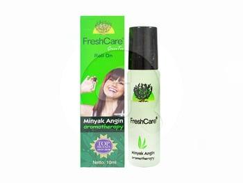 FreshCare green tea adalah minyak untuk meringankan sakit kepala, perut kembung, dan masuk angin.