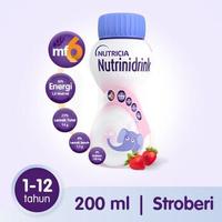 Nutrinidrink Makanan Diet Khusus Untuk Keperluan Kesehatan - Rasa Strawberry 200 ml