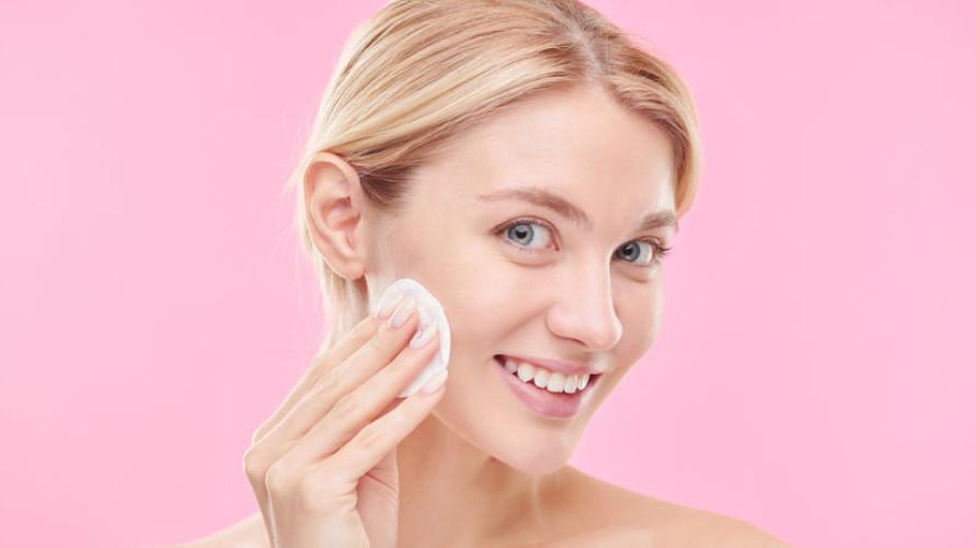 Kenalilah berbagai jenis Nivea Micellar Water dan berbagai pembersih wajah dari Nivea agar tahu mana yang cocok untukmu.