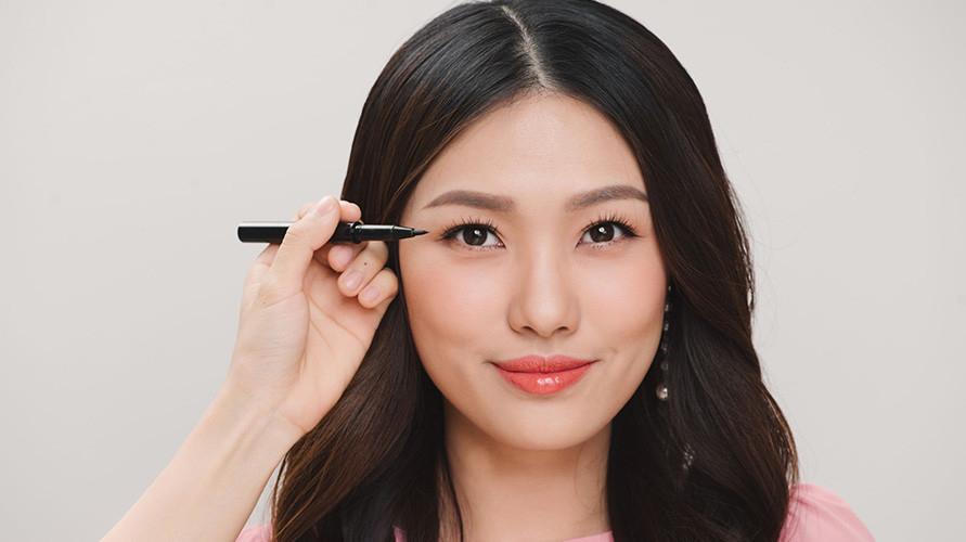 Antara eyeliner cair, pensil atau gel mana yang paling cocok untuk Anda?