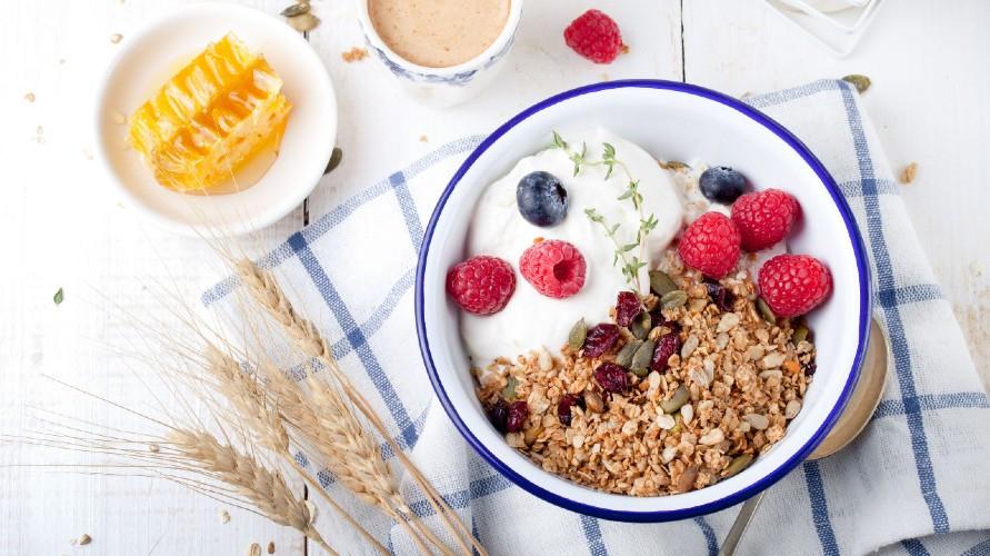 Sereal untuk diet yang baik terbuat dari oat, gandum, kacang-kacangan, dan rendah gula