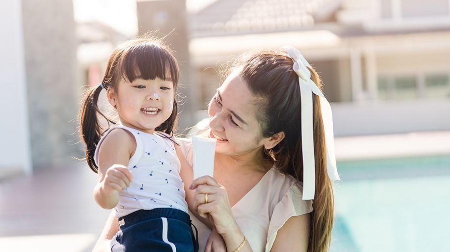 Rekomendasi sunblock dan sunscreen anak yang bagus
