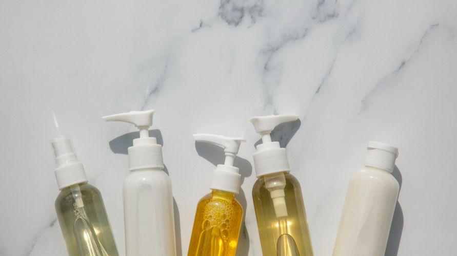 Cleansing oil bantu membersihkan makeup dan kotoran di wajah