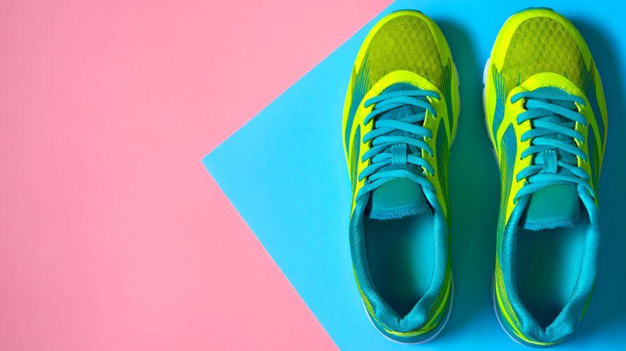 Sepatu lari terbaik nyaman digunakan dan memiliki performa yang baik