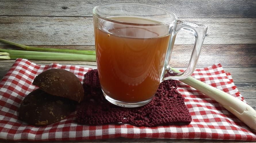 Minuman jahe merah adalah minuman tradisional yang sudah populer di kalangan masyarakat Indonesia