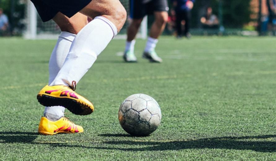 Ada banyak lapangan mini soccer Jakarta yang bisa kamu coba.