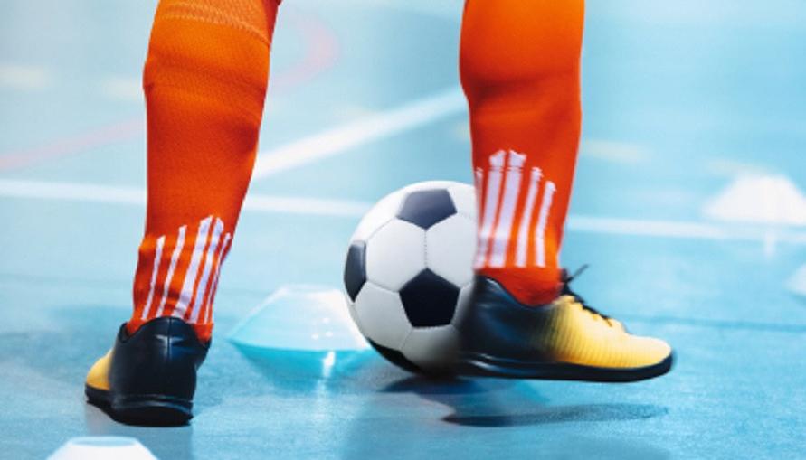 Ada banyak pilihan sepatu futsal terbaik, mulai dari Nike dan produk lokal seperti Ortuseight.