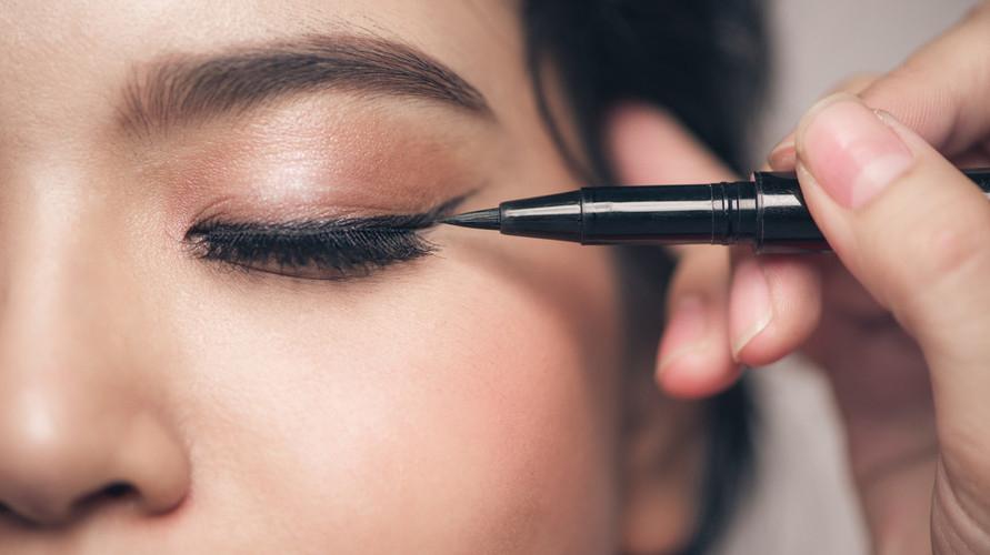 Eyeliner Pixy untuk pemula hadir dalam bentuk spidol