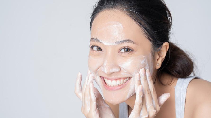 Rekomendasi facial wash untuk remaja, apa saja yang bagus?