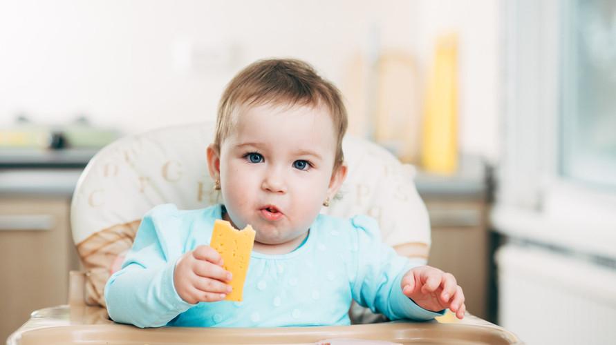 Keju untuk MPASI adalah sumber kalsium untuk bayi