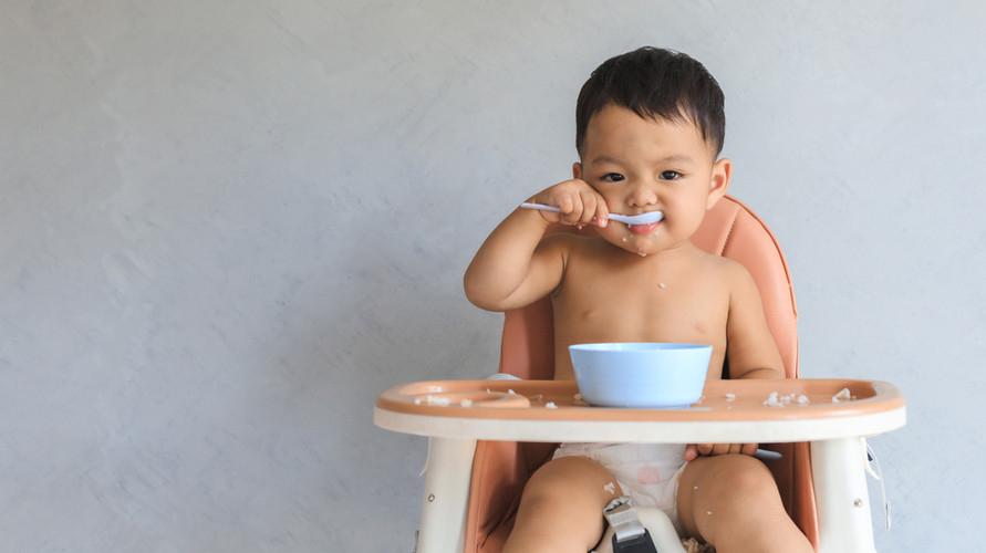 sendok makan bayi