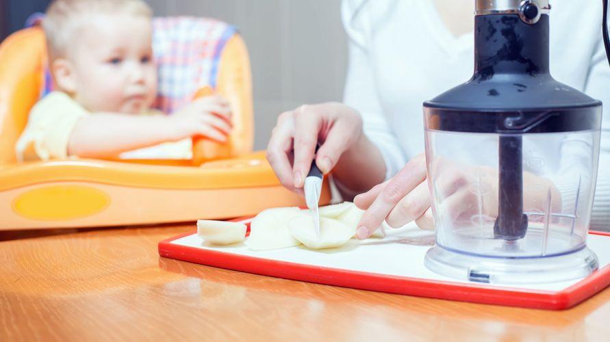 Blender MPASI memudahkan ibu menyiapkan makanan untuk si kecil