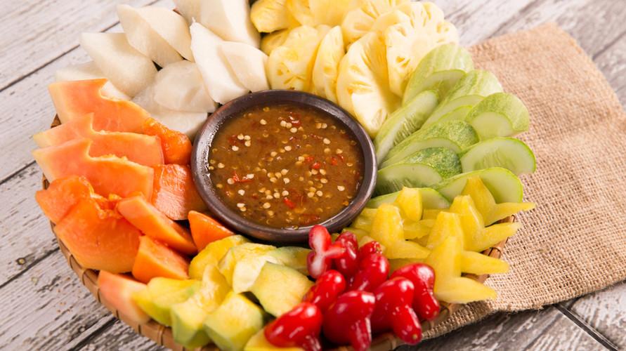 Resep rujak buah yang legit bisa dibuat dengan mudah di rumah