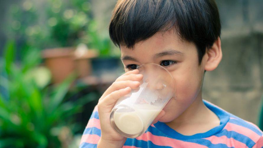 Susu peninggi badan diklaim dapat membantu menunjang pertumbuhan tinggi anak