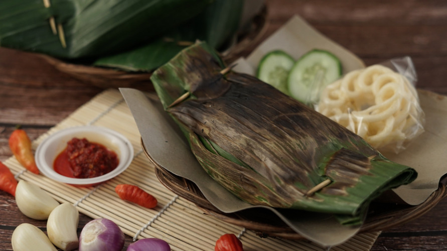Resep nasi bakar ayam dapat disantap sendiri atau menjadi ide jualan.