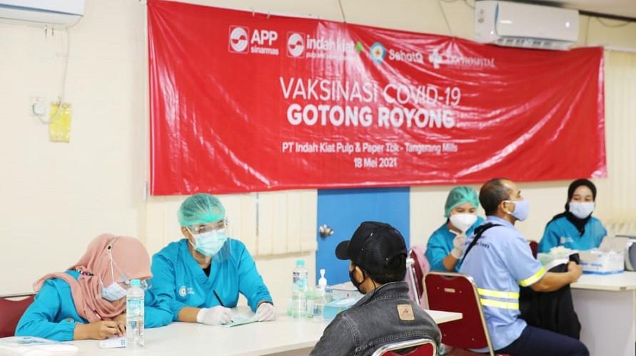 SehatQ menghadirkan nakes sebagai vaksinator dalam program Vaksin Gotong Royong
