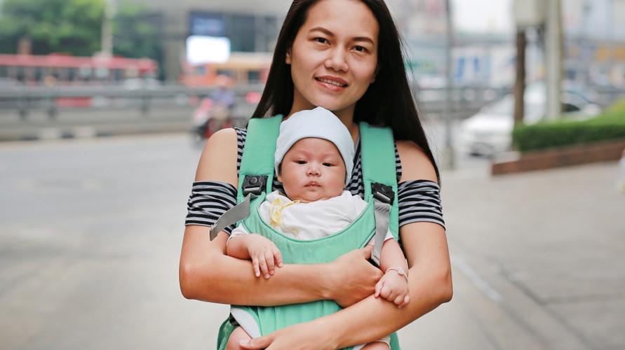 Gendongan hipseat cocok untuk bayi usia 6 bulan