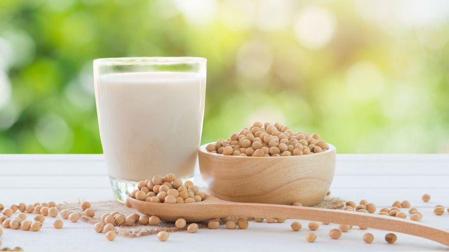 Pilih merek susu kedelai yang aman dan nyaman diminum