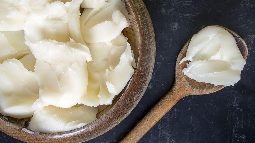 Merek mentega putih yang bagus dapat digunakan untuk membuat biskuit dan roti