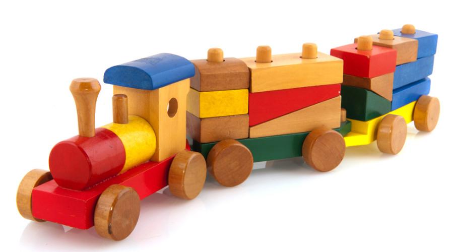 Mainan kereta api yang bagus