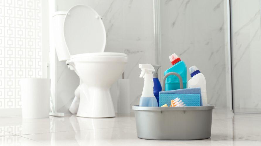 Pembersih kamar mandi bantu hilangkan noda yang sulit dibersihkan