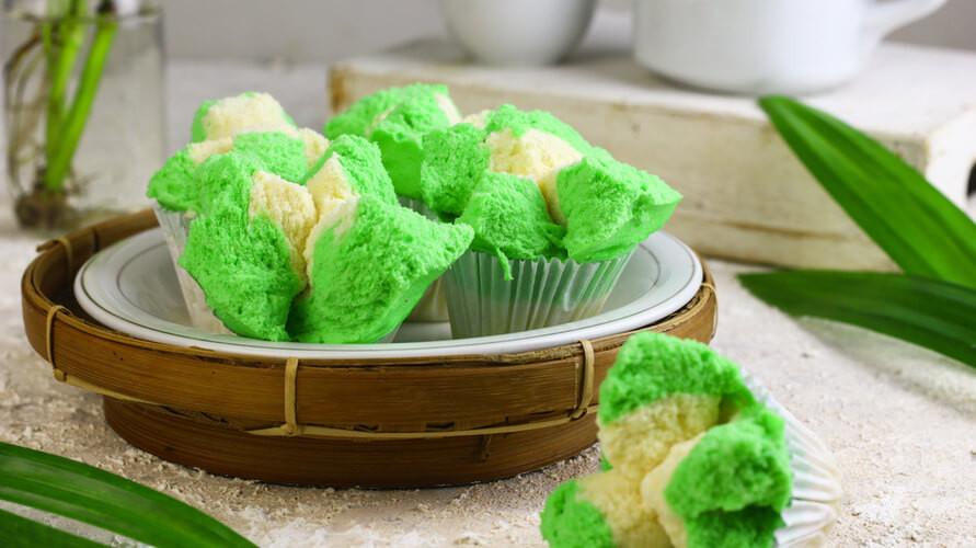 Resep bolu kukus pandan mudah dibuat di rumah