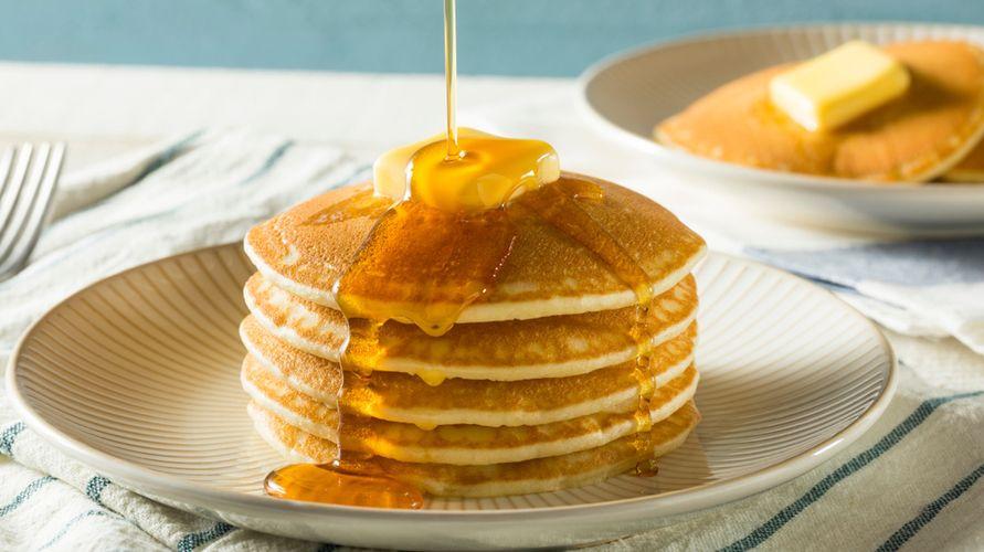 Resep pancake untuk sarapan yang mudah dan lezat mudah dibuat
