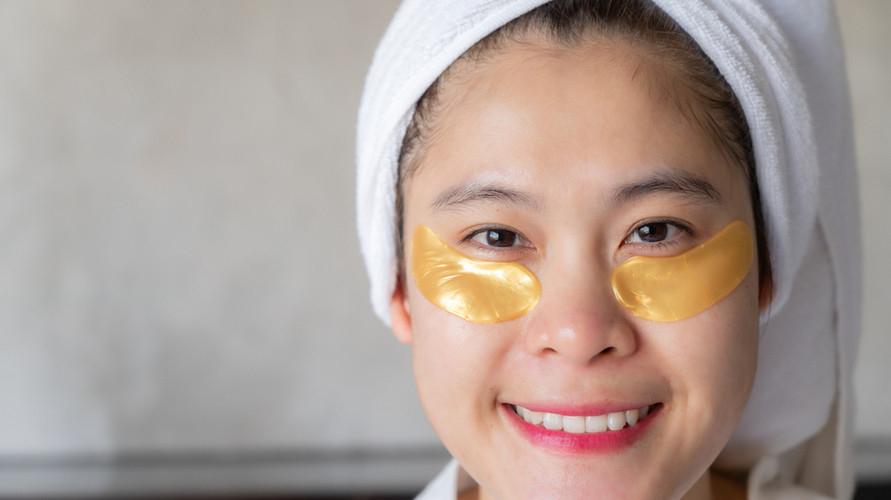 Masker mata yang bagus bisa digunakan untuk mengatasi mata panda