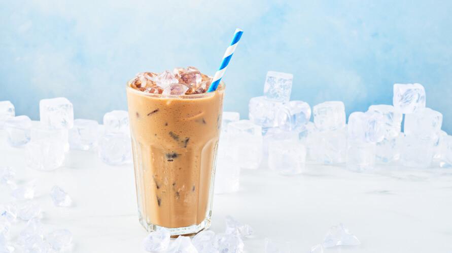 Cara membuat es kopi susu kekinian sangatlah mudah