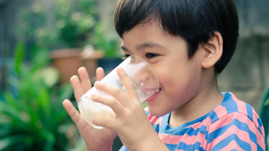 Susu tinggi kalsium untuk anak dukung pertumbuhan si Kecil