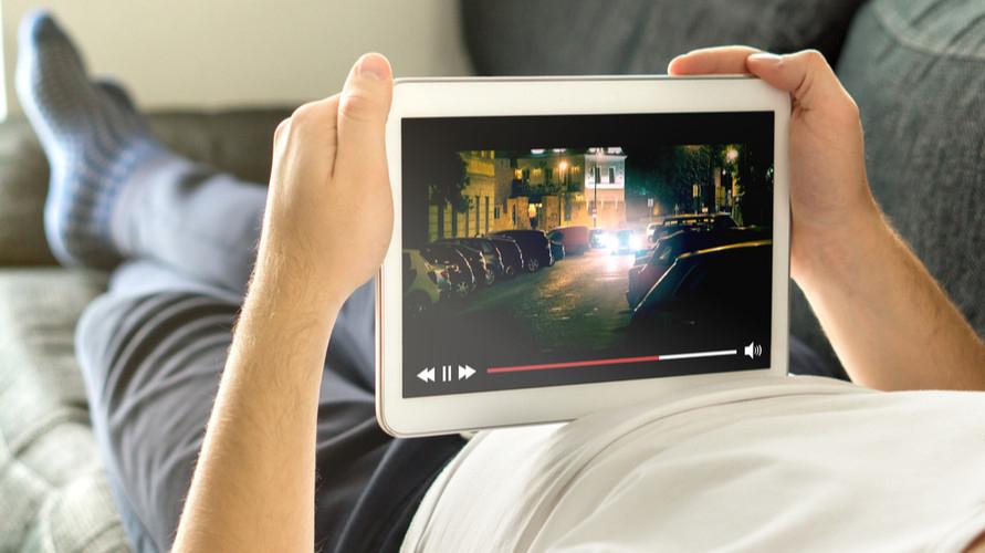 Aplikasi streaming film bisa diakses dari berbagai macam gawai